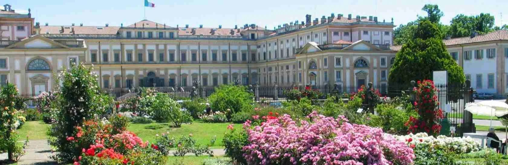 La Reggia di Monza e i suoi giardini in fiore sono ideali per una passeggiata con una escort Monza e Brianza.
