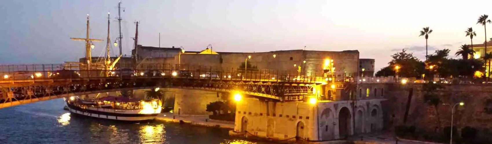 Le escort Taranto, quando sono in compagnia dei loro clienti occasionali, amano passeggiare la sera in prossimità del Ponte Girevole di Taranto. Magica Escort