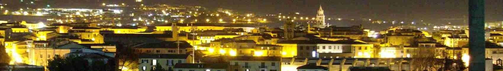 Le escort Teramo possono godersi un panorama mozzafiato della città al tramonto della sera.