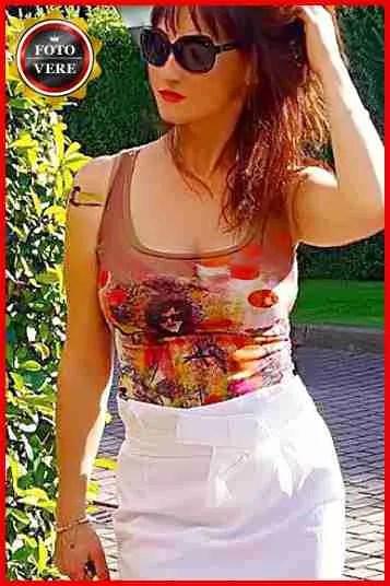 Lady M top escort Milano elegante e sensuale nella foto di anteprima.