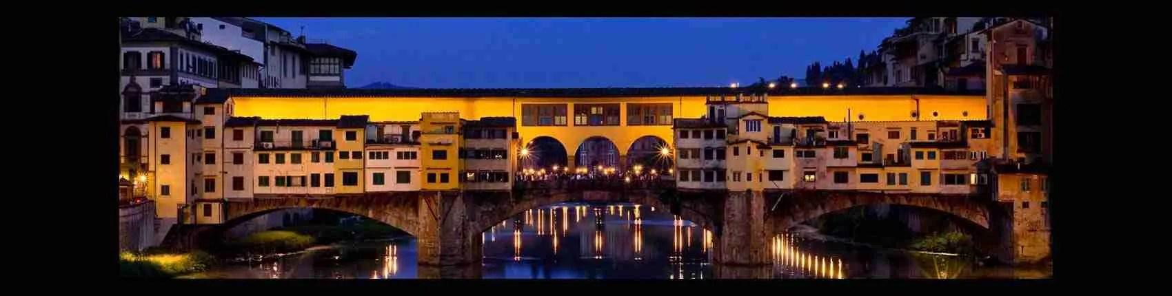 Il Ponte Vecchio di Firenze è il luogo preferito dalle escort Firenze per una passeggiata romantica. Magica Escort