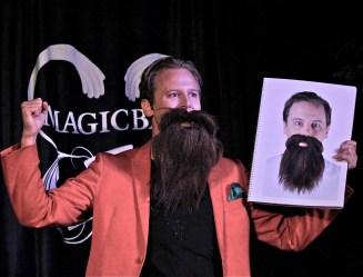 Carl Tillenius med magiskt skägg