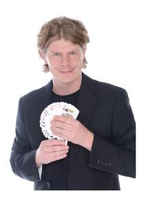 Le magicien Chrstiian Lavey présente régulièrement des spectacles de magie à Nancy et dans d'autres villes en France. Si vous désirez de louer un magicien à Nancy prenez contact avec le magicien.