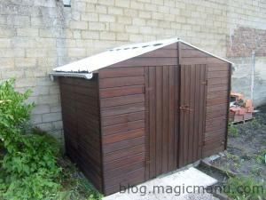 Blog de magicmanu : Aménagement de notre maison, Abri de jardin - la lasure