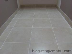 Blog de magicmanu : Aménagement de notre maison, Plinthes SdB posées