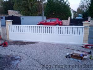 Blog de magicmanu : Aménagement de notre maison, Portail coulissant : la pose