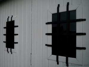 Changer les hublots d'une porte de garage