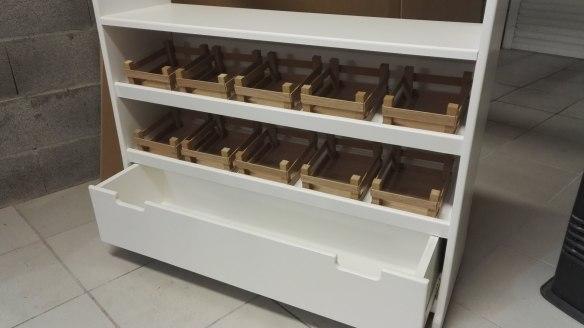 Fabriquer une marchande / théâtre en bois pour enfants