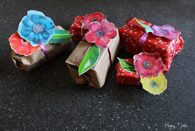 Last minute wrapping idea, name tags for gifts, Last minute wrapping idea, Presents , gifts idea . Christmas , holidays