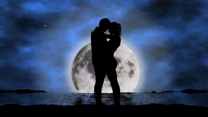 Powerful Full Moon Love Spells That Work Instantly