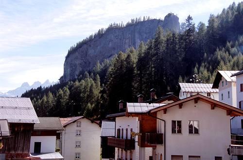 Dolomiti Laste di Rocca Pietore Monoliti di Ronch Sass de Rocia Dolomiti Dolomites Dolomiten