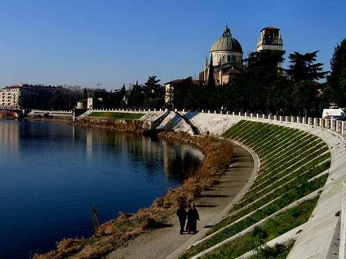 Verona San Zeno fiume Adige Arena di Verona Giulietta e Romeo  Juliets tomb love Juliet