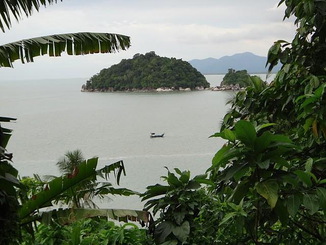 An island off of Pilau Pinang