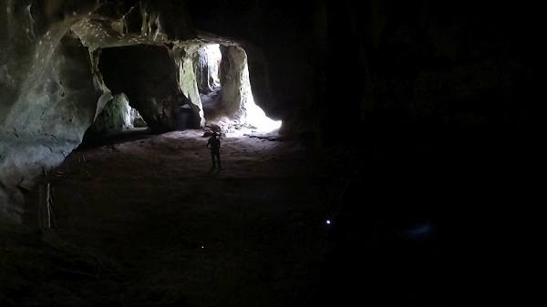 Nong Khiaw - Pathok Caves - People Lived Here