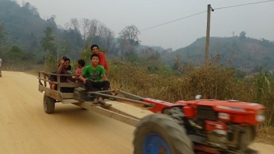 Vieng Thong - Now, That Is A Tractor