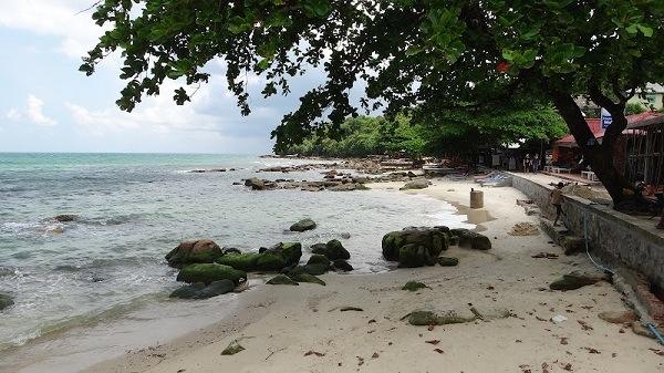 Serendipity Beach, Sihanoukville - Rocky Beach