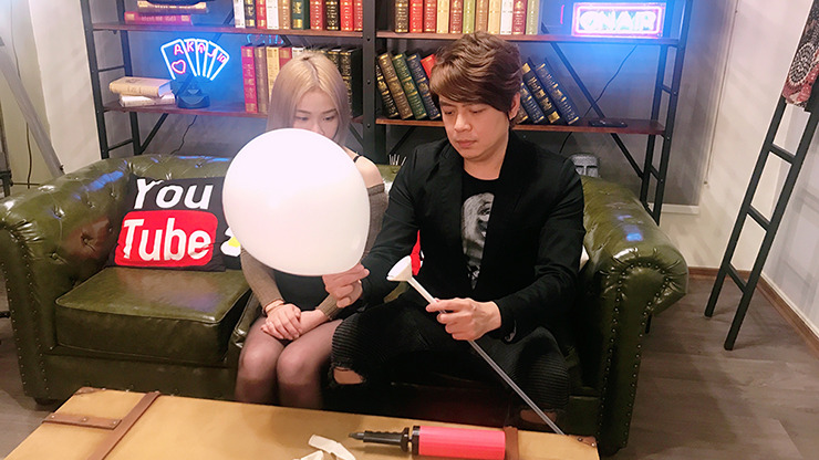 Balloon Burster (Gimmick and Online Instructions) by Taiwan Ben and Jeimin Lee - Trick