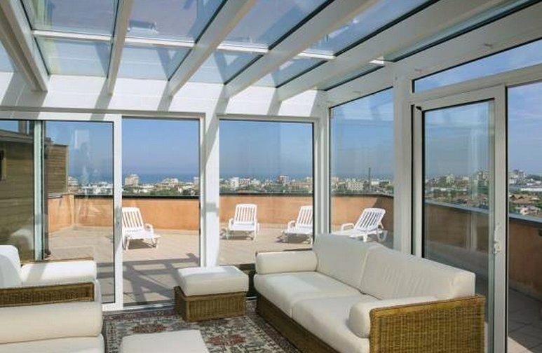 Verande a Roma su misura in vetro alluminio pvc  MAGIFER