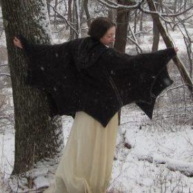 Bat Cape di Kate Bellando