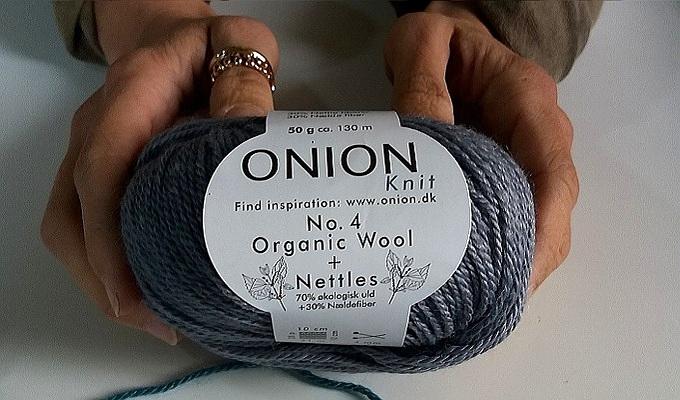 Onion N° 4: organic wool and nettle yarn è un filato di lana bio e ortica per maglia e uncinetto