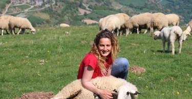 Anna Plana, una delle protagoniste del reportage sulla pastorizia al femminile in Spagna
