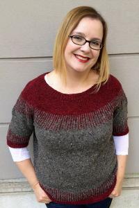 Il motivo a due colori rende il maglione ancora più caldo