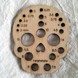 Teschio misuraferri di Ratatatata in legno