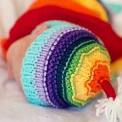 Il rainbod Baby Il Rainbow Baby Hat vi permette di riciclare gli avanzi