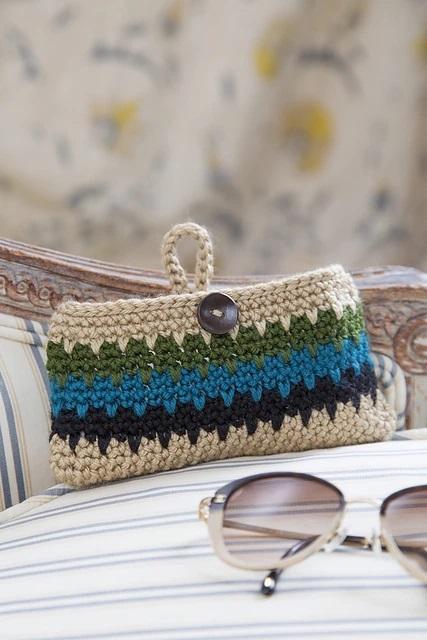 Dynamite Eyeglass Case, portaocchiali di Salena Baca