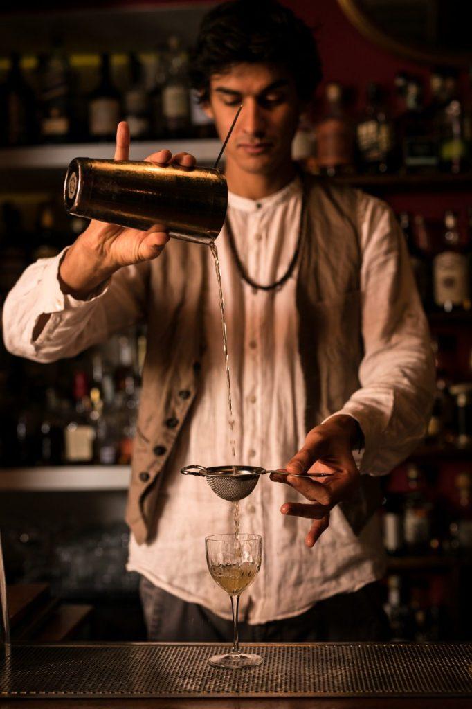 Andrea Pomo bartender foto di Alberto Blasetti