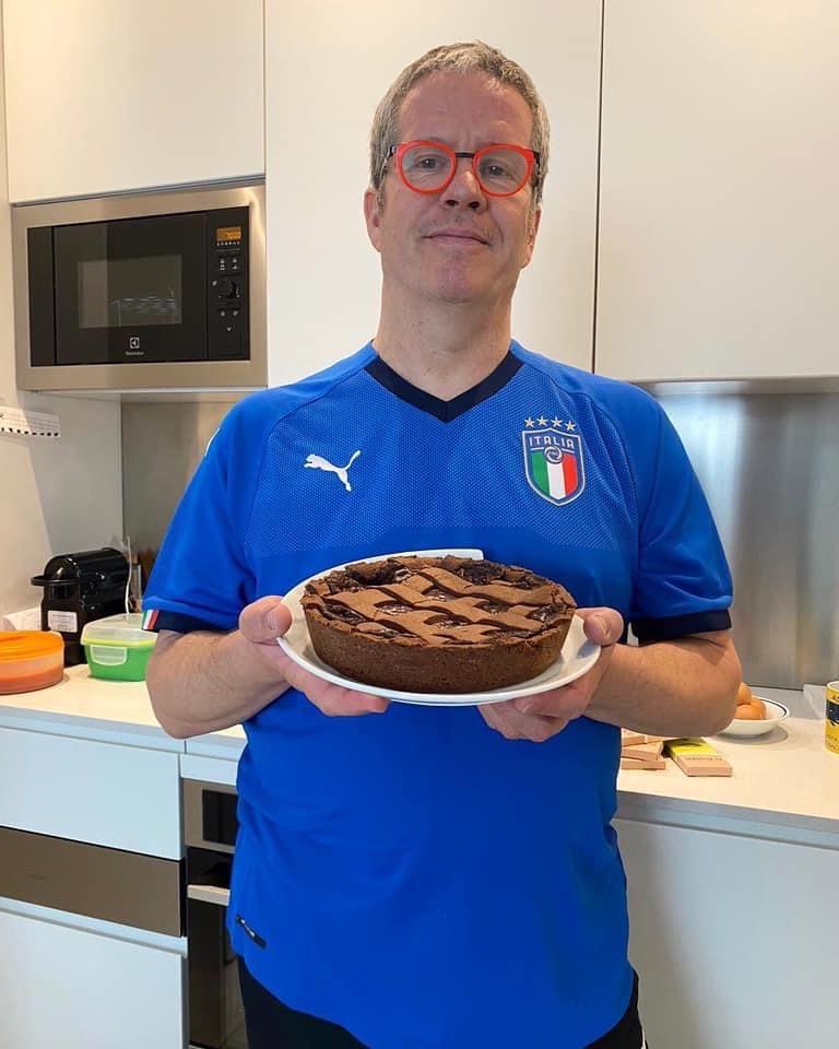 Lo Chef Ernst Knam lancia la Cake's Anatomy Challenge per l'emergenza coronavirus