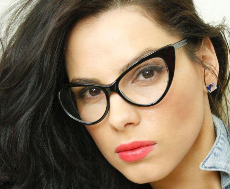 اشكال النظارات النظر على حسب الوجه بالصور