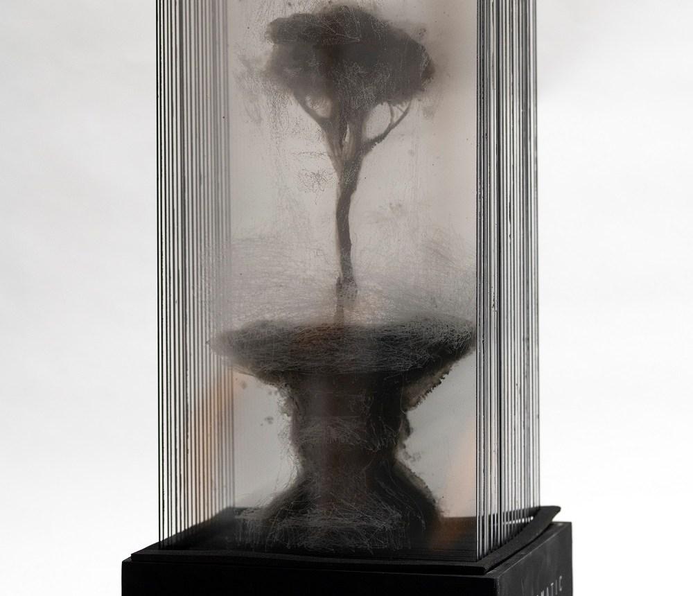 Sanguine Gonzalo Borondo sculpture Magma gallery