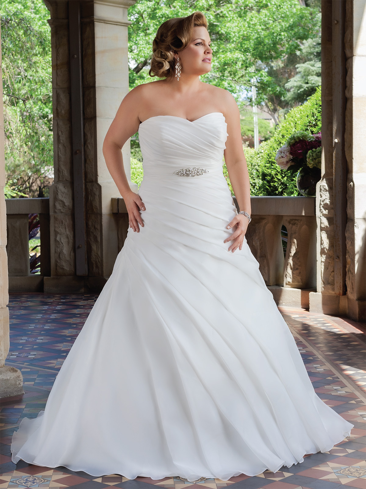 15 Plus Size Wedding Dresses To Make You Look Like Queen  MagMent