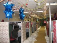 25 Photos of Office Christmas Decorations Ideas - MagMent