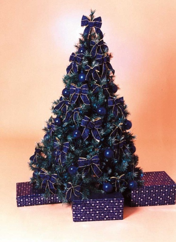 25 Blue Color Theme Christmas Tree Decorations Ideas  MagMent