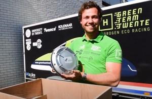 Green Team Twente holding Hub Motor