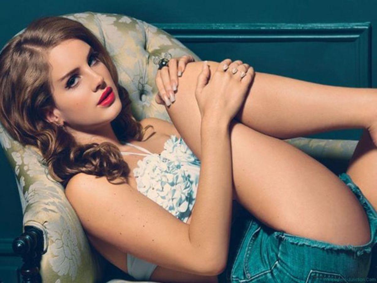 Fall Daisy Wallpaper Edm News Lana Del Rey Quot Young And Beautiful Quot Kaskade