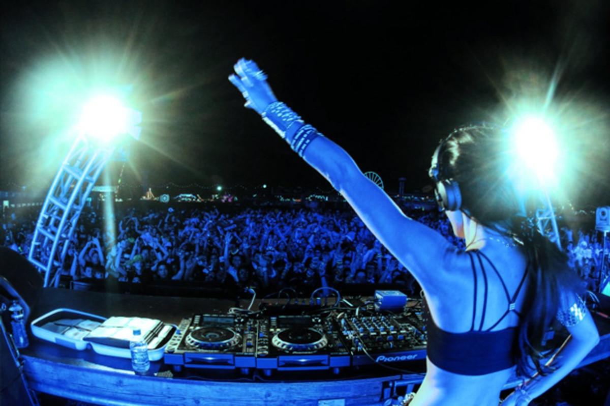 EDM Culture 9 Female DJs That Should Have Your Attention  Magnetic Magazine