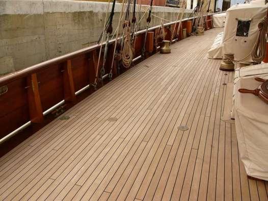 Restauro coperta barca a vela