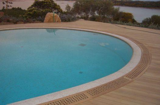 Posa finale carabottini per piscina