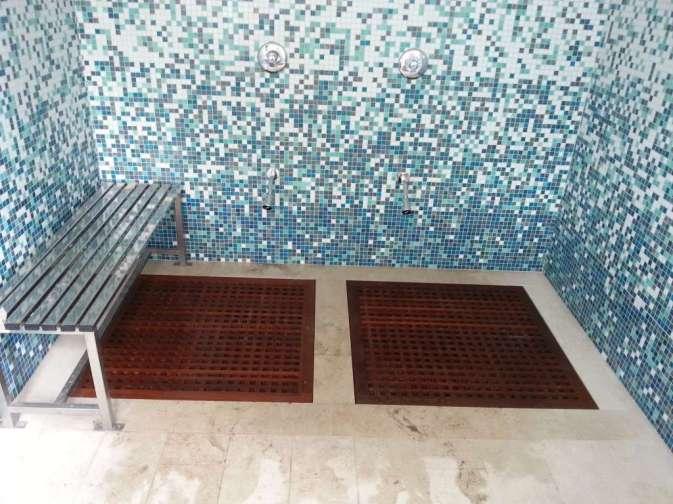 Pavimento doccia in Teak