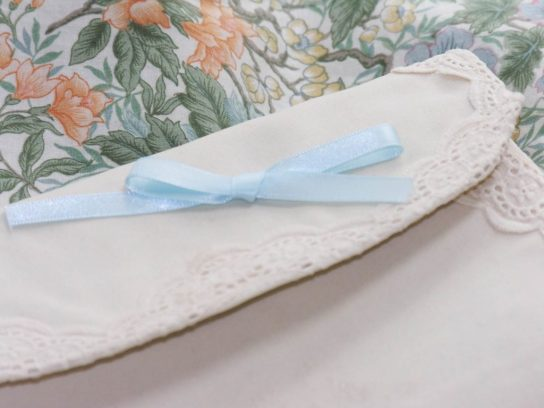Cambridge_wedding_walker_vintage_1950s_clutch_bag_orginal_blue_bow