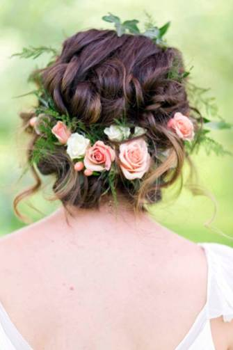 Flower crowns photographed liebphotographic as featured on The National Vintage Wedding Fair blog
