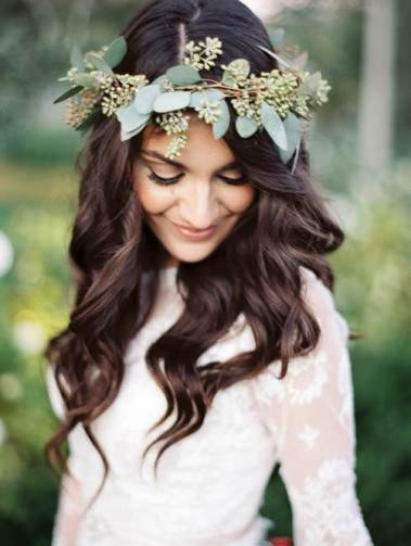 Flower leaf head crown for weddings by Rachel Soloman as featured on The National Vintage Wedding Fair blog