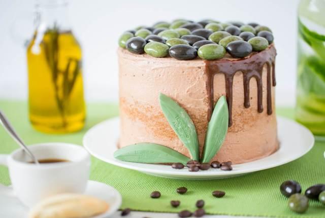 13 Glorious Chocolate Wedding Cakes For Chocolate Week