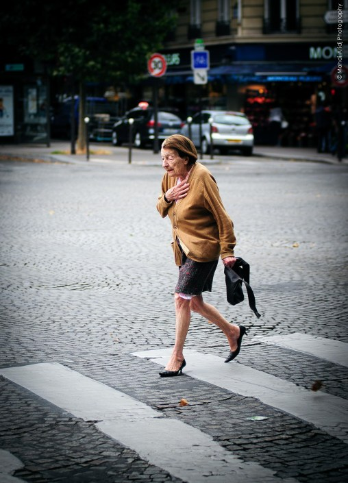 In a rush -Monceau - Paris - Street photography