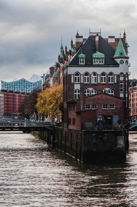 Wasserschlosse with Elbphilharmonie