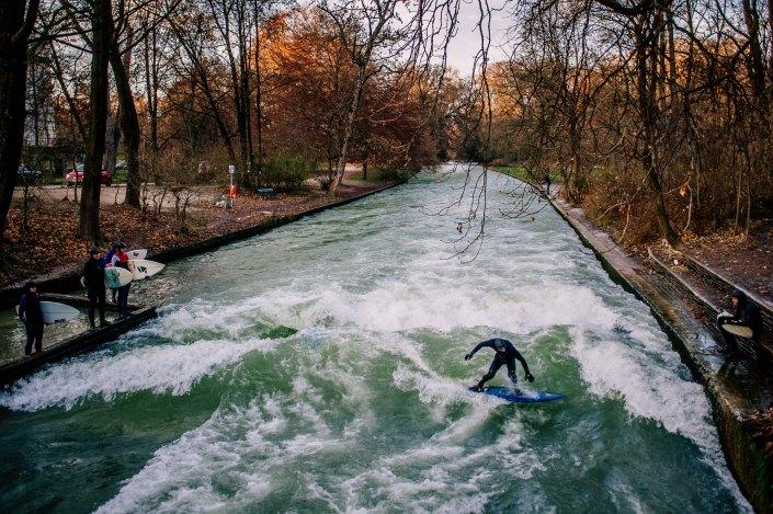 Surf à Munich | Incroyable une vague en plein centre ville 2