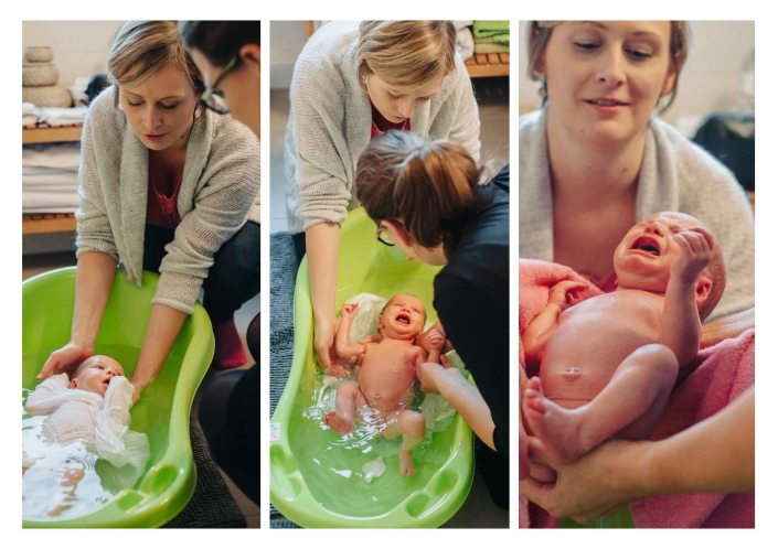 Midwife giving a bath and explaining the new mother - The midwifery project - Hebammenprojekt - Projet sur les sages-femmes en Allemagne